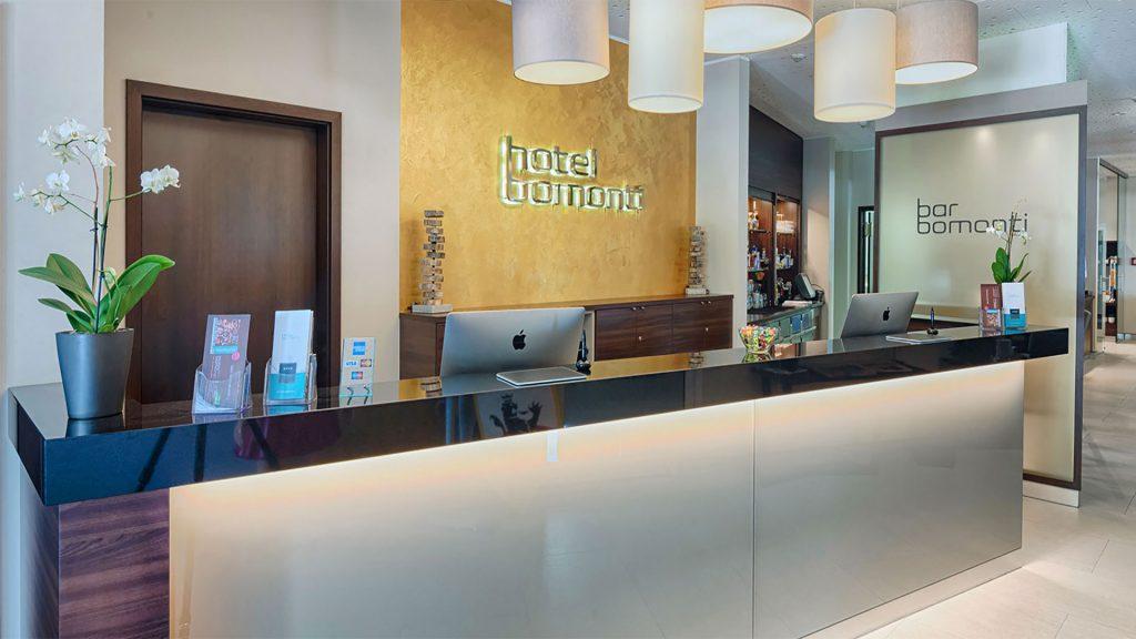 hotel_bomonti_nuernberg_west_oberasbach_empfang_rezeption